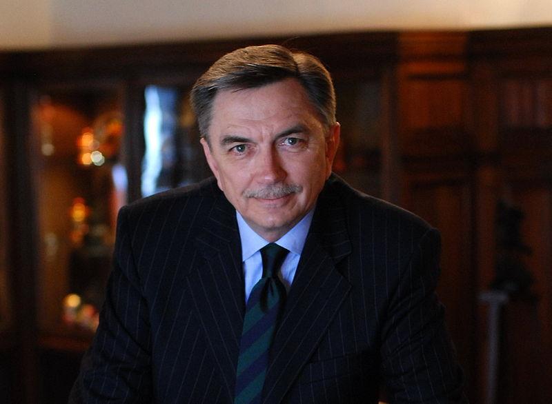 Российский посол посетил благотворительный бал в Марбелье